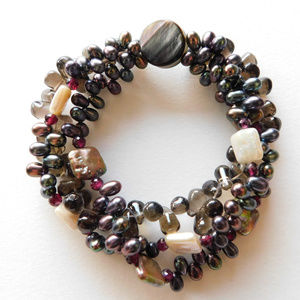 Jewelry - BEAUTIFUL chunky gemstone shell pearl bracelet